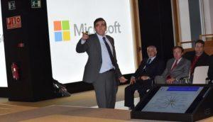 Alfonso Bucero en las oficinas de Microsoft, en la reunión mensual